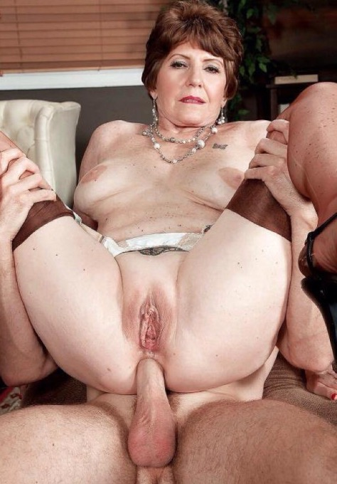 Oma anal sex